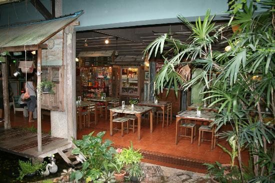 Phranakorn-Nornlen Hotel: Zona común de desayuno y relax