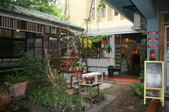 Phranakorn-Nornlen Hotel: Patio central