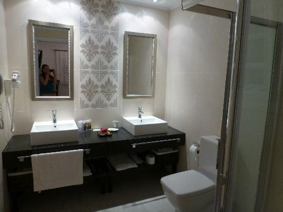 Melian Boutique Hotel & Spa: the bathroom (honeymoon suite)
