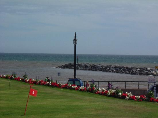 The Belmont Hotel: View from the terrace over the putting green to the sea!