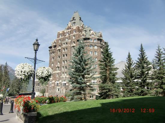 The Fairmont Banff Springs: Castle in the Rockies