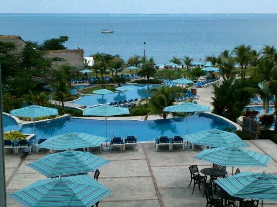 Sheraton Bijao Beach Resort: Area de piscinas.