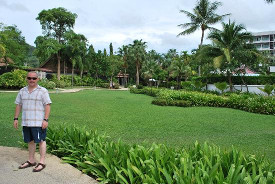 Centara Karon Resort Phuket: Grounds