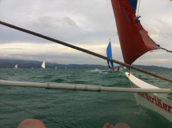 White Beach: Sailing-alanchyuan-