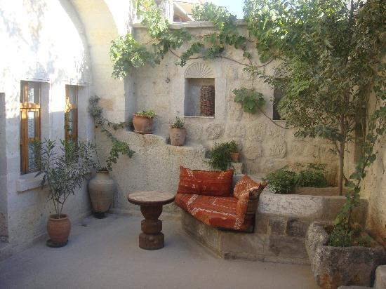 Koza Cave Hotel: Lovely private patio