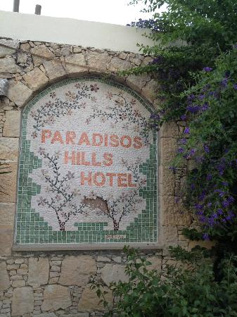 Paradisos Hills: mosaic of hotel name.