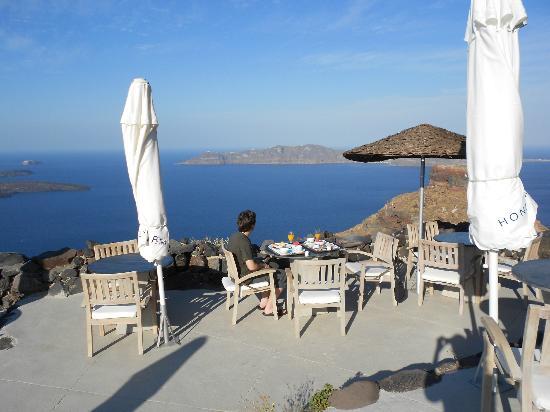 Honeymoon Petra Villas : breakfast area