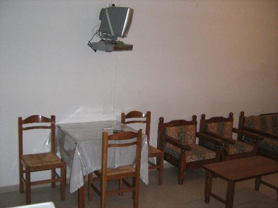 Hotel Mediterranean Sea: Table&Tv