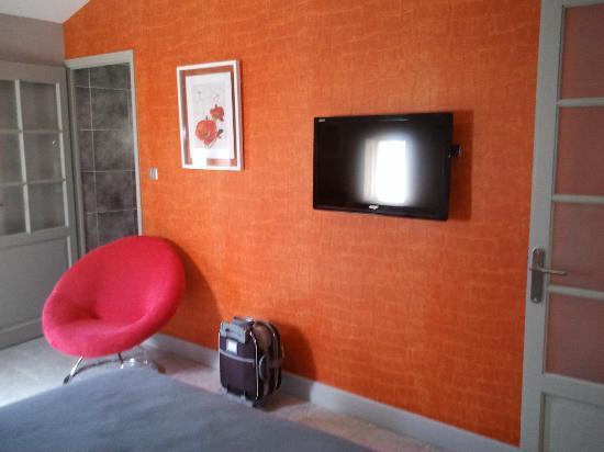 Hôtel La Suite : la télé écran plat