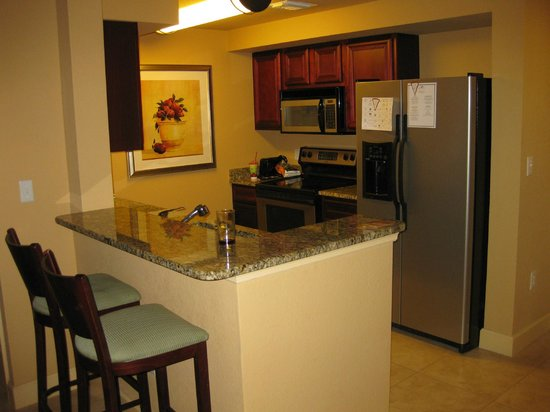 Lake Eve Resort: Kitchen area