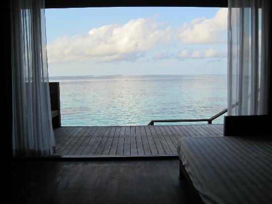 Lily Beach Resort & Spa: View from the bed