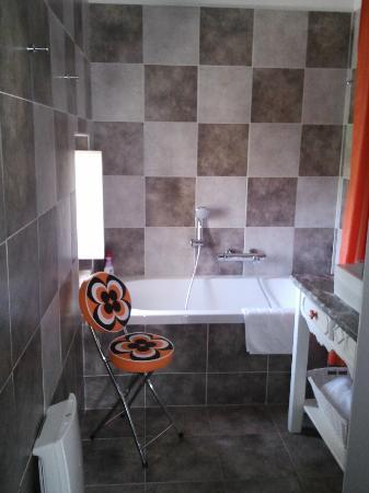 Hôtel La Suite : la grande baignoire