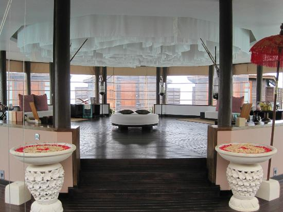Lily Beach Resort & Spa: The Spa 'waiting area'