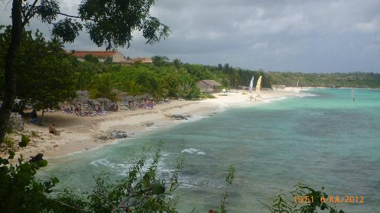 Paradisus Rio de Oro Resort & Spa: PRDO beach - getting smaller and smaller (far better further up at sister hotel)