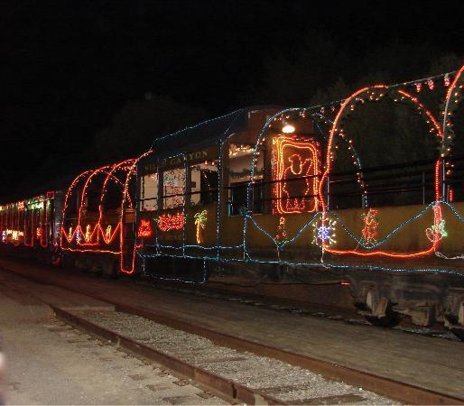 """Niles Canyon Railway: Niles Canyon RR """"Train of Lights"""""""