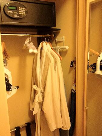 Kinzie Hotel: Closet with robe, ironing kit, safe