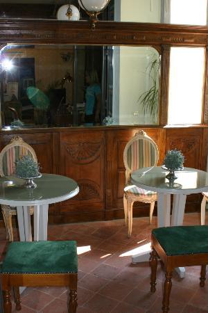 إقامة وإفطار بفندق بلاتزو روتشي: The breakfast area for double rooms - tables not set here 
