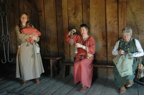 West Stow Country Park and Anglo-Saxon Village: Anglo-Saxon Village - ladies presenting old life and occupations