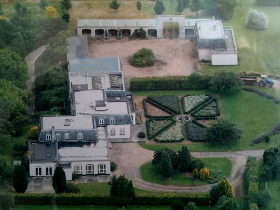 Highwaymans Rooms & Self Catering: Aerial photo - you might have guessed