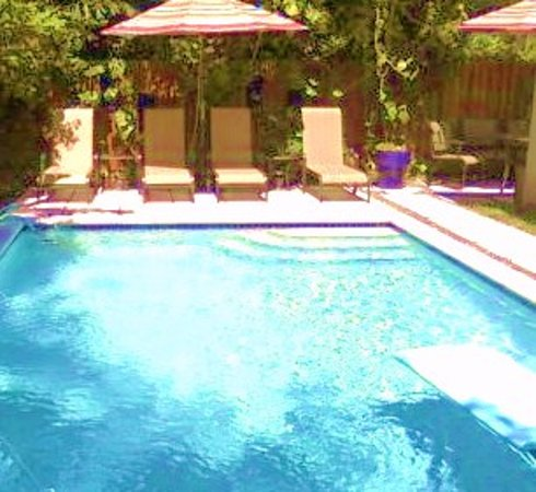 Island Sands Inn: Large Heated Pool