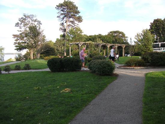 Agamont Park