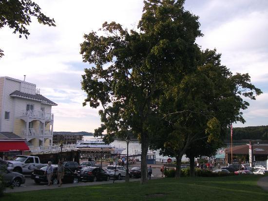 Agamont Park : Le parc est très bien situé