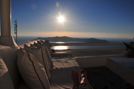 Hotel Sunny Villas: Blick von der privaten Terrasse auf die Caldera