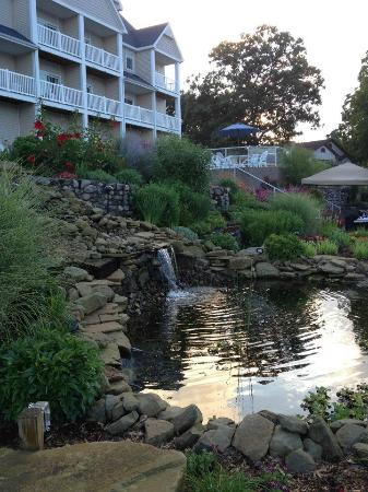 Bay Pointe Inn & Restaurant: The Resort