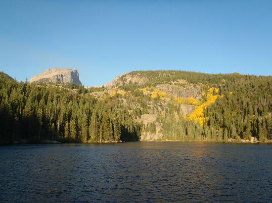 Flattop Mountain Trail: Bear lake - Start of the trail