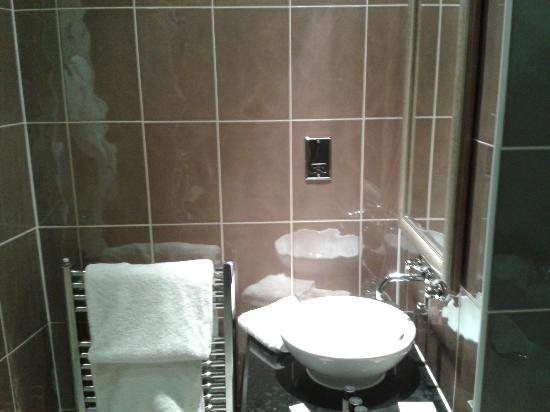 Quebecs : bathroom