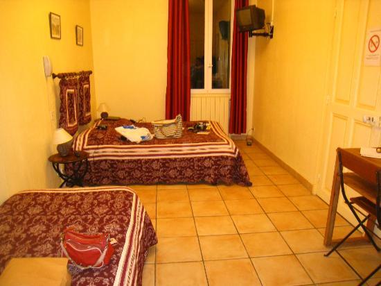 Hotel Saint Roch : triple room