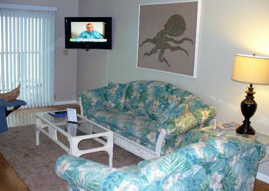 Gulfview Manor Resort: living room