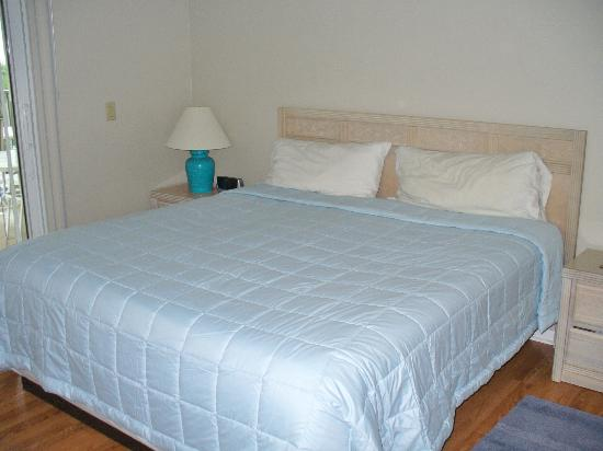 Gulfview Manor Resort: comfy bed :)