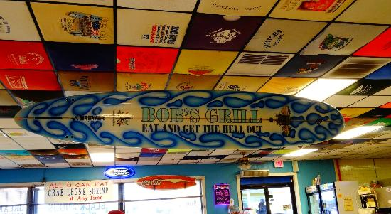 Bob's Grill: Cool surfboard hanging inside.