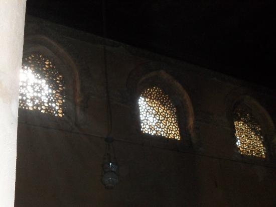 Mosque of Ibn Tulun: splendide vetrate