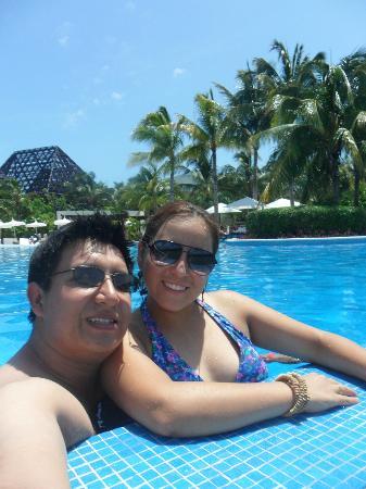 The Grand Mayan Riviera Maya: En la alberca del hotel.