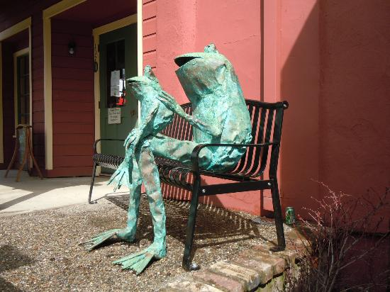 Ironstone Vineyards : Murphys, home of the jumping frogs.