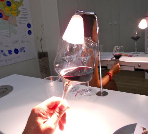 Maison du Vin : How to determine the color