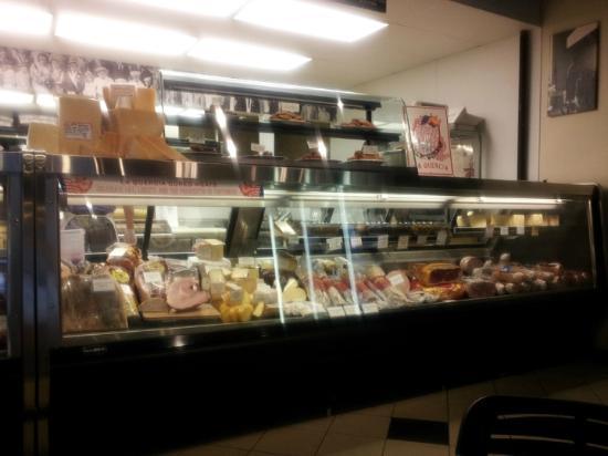 Panozzo's Italian Market : Panozzos Deli Case