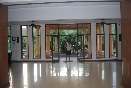 DoubleTree by Hilton Seychelles Allamanda Resort & Spa : INGRESSO