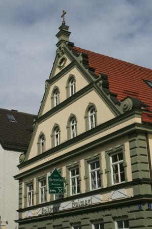 Hotel Haimerlhof: Front of Hotel on main street