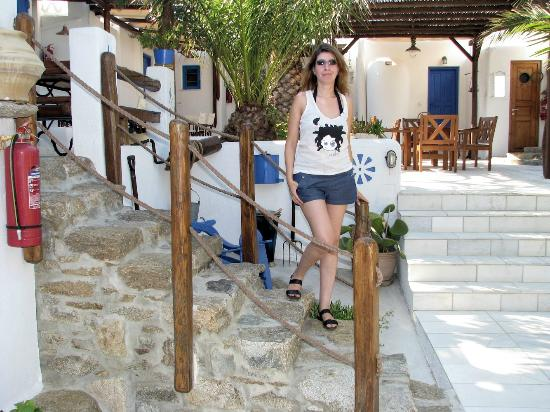 Alexandros Mykonos: Maria at the central yard of the apartments