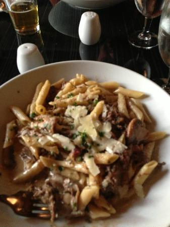 Black Horse Restaurant Tavern : beef mac and cheese. Fabulous!