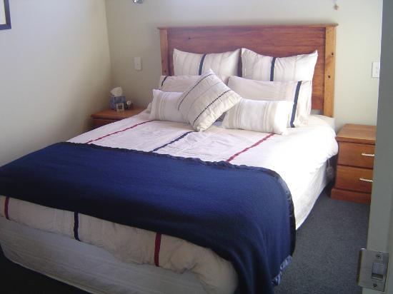 Blackhouse Vineyard: Bedroom 1