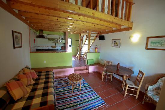 Monte Das Alpenduradas: Apartments T0 living room