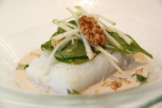 Windsor: Cod confit with fresh spinach wallnuts and sour apple