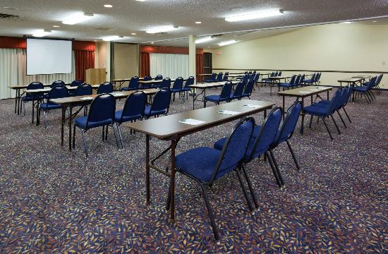 Country Inn & Suites By Carlson, Coon Rapids: Meeting space for 125 people