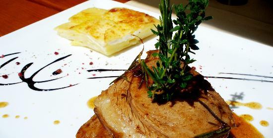Restaurant Avli: Das leckere Lamm aus dem Ofen mit Kartoffelgratin