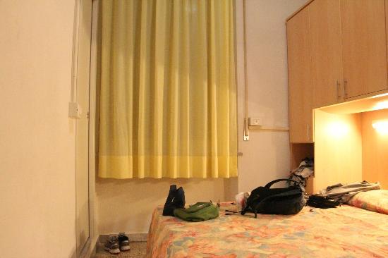 Hotel La Torre : Small room