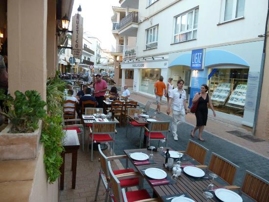 Rustico Restaurante: Rustico - tavoli all'aperto